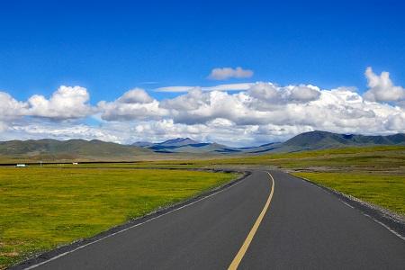 西藏林芝市墨脱首个交通气象站正式启用